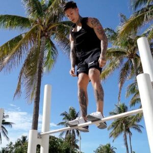 I Learned Muscle Up Jump On The Bar At Miami Beach (Cops Called)